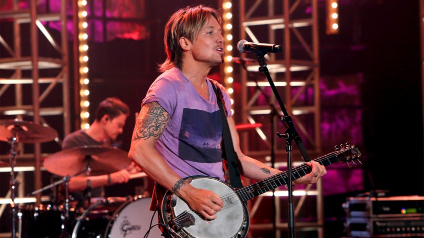keith urban performs wasted time