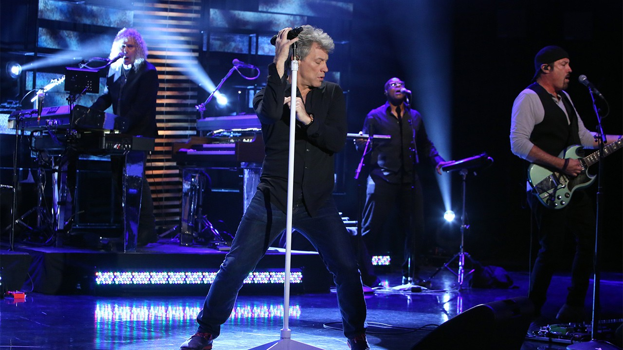 Bon Jovi Performs This House Is Not For Sale